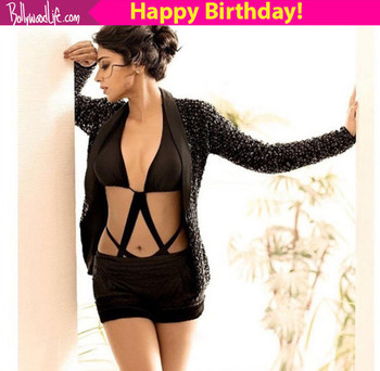 Reasons why birthday girl shriya saran is a hot favourite...